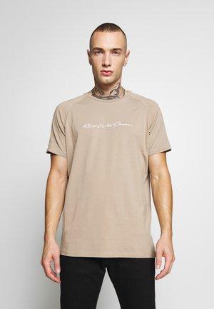 VALDON WITH TAPING - T-shirts print - dark sand