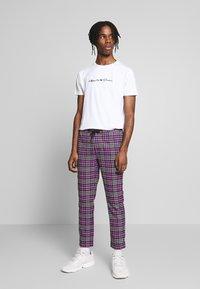 Kings Will Dream - 2 PACK - T-shirt med print - black/white - 1