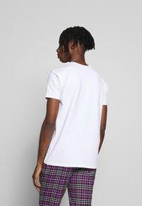 Kings Will Dream - 2 PACK - T-shirt med print - black/white - 3