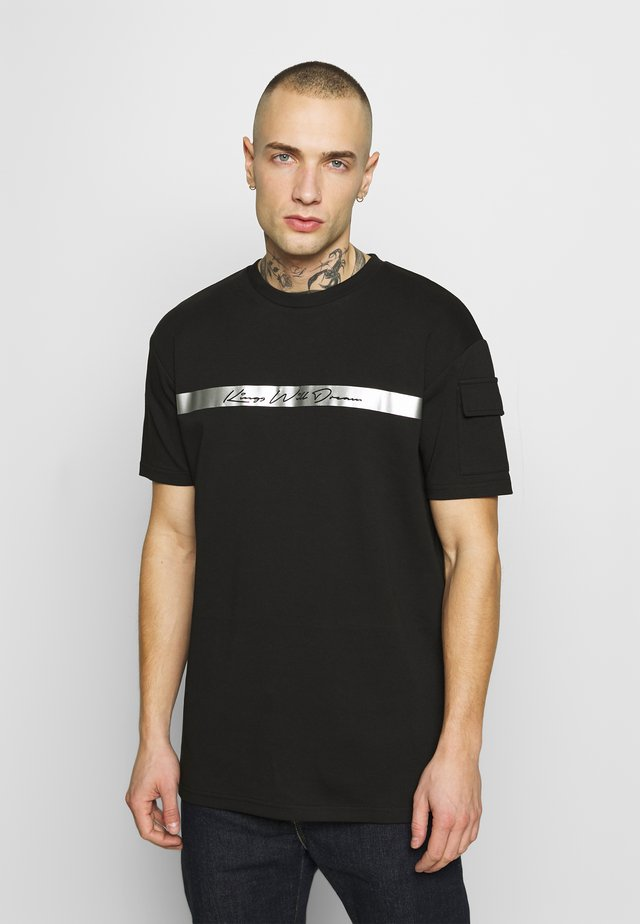 AVELL - T-shirt con stampa - black