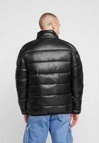 Glorious Gangsta - KAPPLIN PUFFER JACKET - Zimní bunda - black - 2