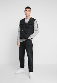 Kings Will Dream - KINGS WILL DREAM MILVIEW UTILITY VEST  - Waistcoat - black - 1