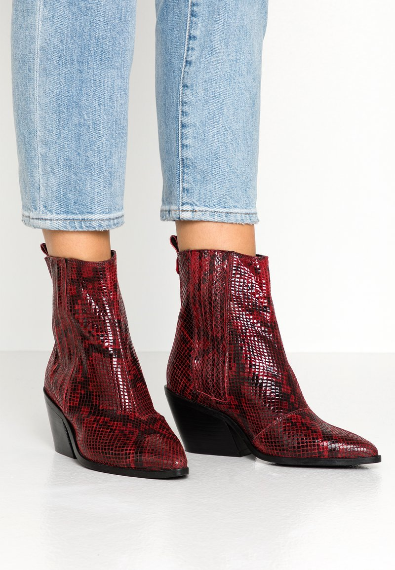 KIOMI Wide Fit - Classic ankle boots - burgundy