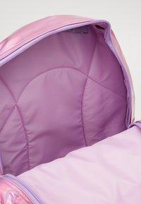 Kidzroom - BACKPACK MILKY KISS SHINY DAYS HOLOGRAPHIC - Tagesrucksack - purple - 2