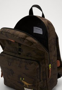 Kidzroom - BACKPACK SKOOTER IN YOUR FACE LARGE - Rugzak - green - 2