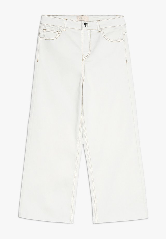 KONTHEA - Flared jeans - white denim