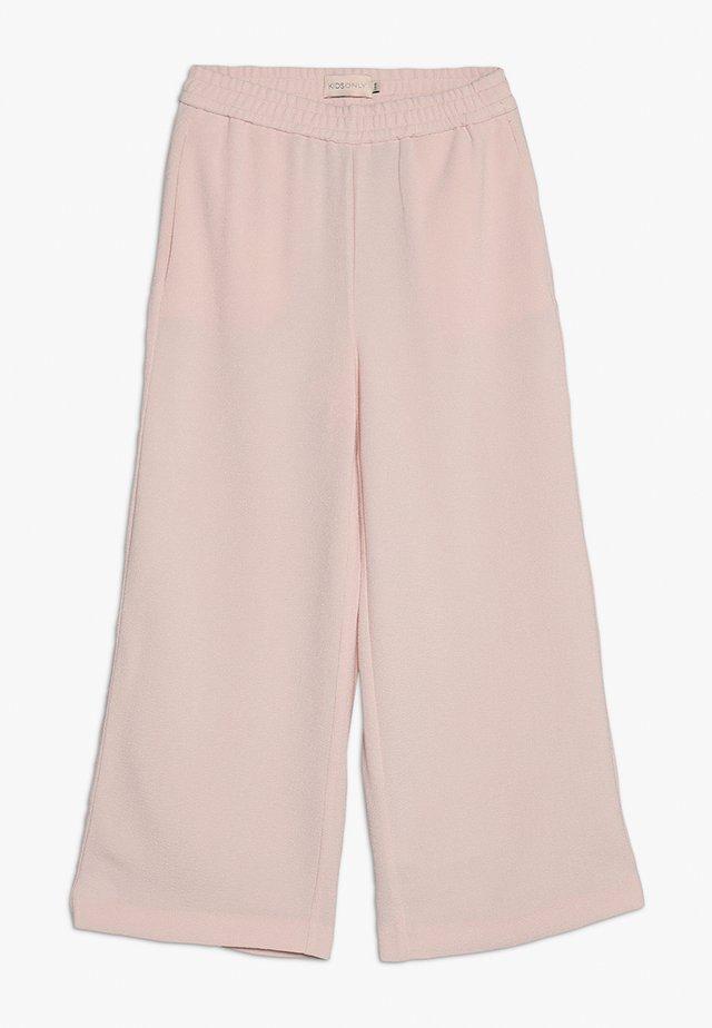 KONRUNA  - Trousers - rose quartz