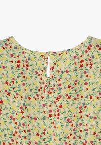 Kids ONLY - KONTHYRA FAKE WRAP DRESS - Denní šaty - popcorn - 2