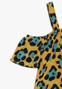 Kids ONLY - KONIDUN COLDSHOULDER DRESS - Denní šaty - mango mojito - 3
