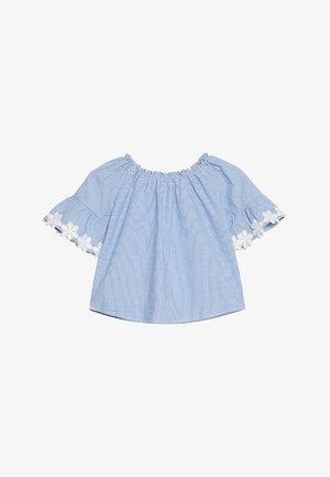 KONTYRA FLOWER TOP - Blouse - light blue denim/white