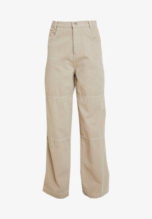 TOPSTITCH COMBAT PANT - Pantaloni - stone