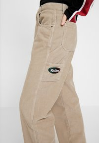 Kickers Classics - PANT - Pantalones - stone - 4