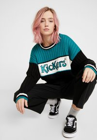 Kickers Classics - PANEL - Stickad tröja - teal/black