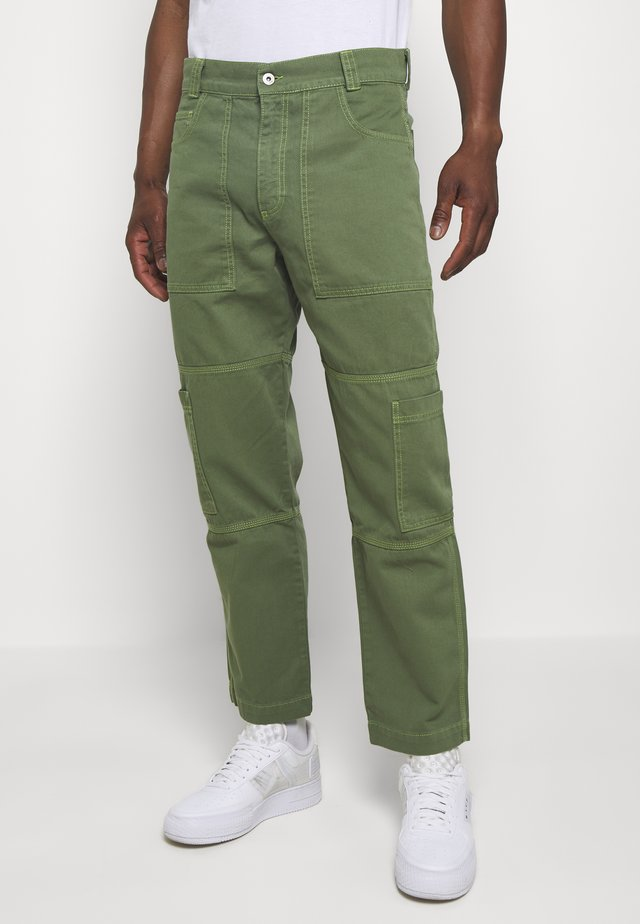 CLASSIC UTILITY COMBAT TROUSER - Jeansy Relaxed Fit - dark green