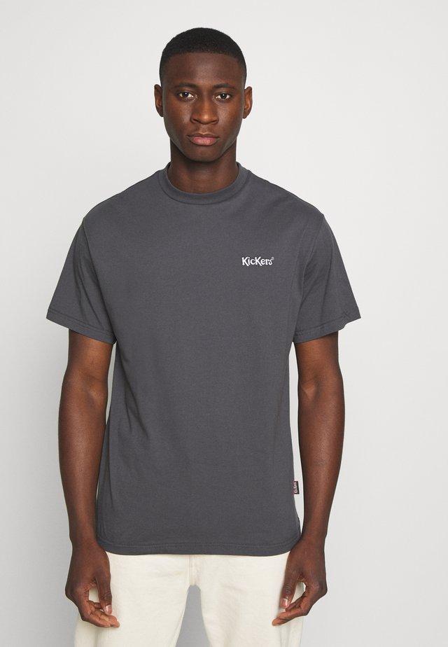 CLASSIC TEE - T-shirt z nadrukiem - grey