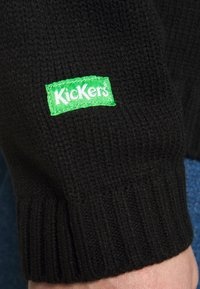 Kickers Classics - CLASSIC  - Svetr - black/ white/ red - 6