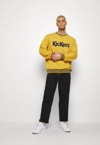 Kickers Classics - CLASSIC  - Sweatshirt - yellow - 1