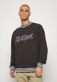 Kickers Classics - CLASSIC CREWNECK  - Sweatshirt - black - 0