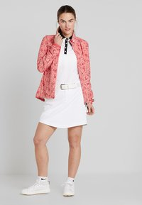 Kjus - WOMEN DEXTRA PRINTED - Training jacket - rosy blossom - 1