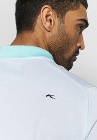 Kjus - MEN ARROW - Polo shirt - ice blue/white - 3