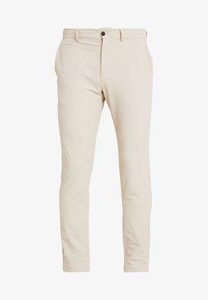 MEN IKE PANTS  - Pantalon classique - oxford tan