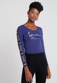 Karl Kani - SIGNATURE BODY - Maglietta a manica lunga - blue - 0