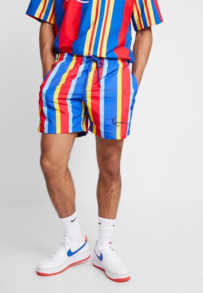 Karl Kani - SIGNATURE STRIPE - Shorts - blue/red/yellow/light blue