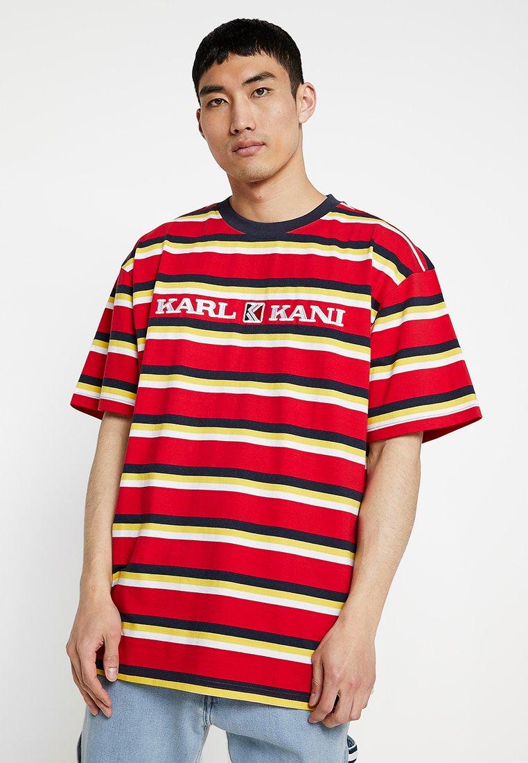 Karl Kani - RETRO STRIPE TEE - Camiseta estampada - red/navy/yellow/white