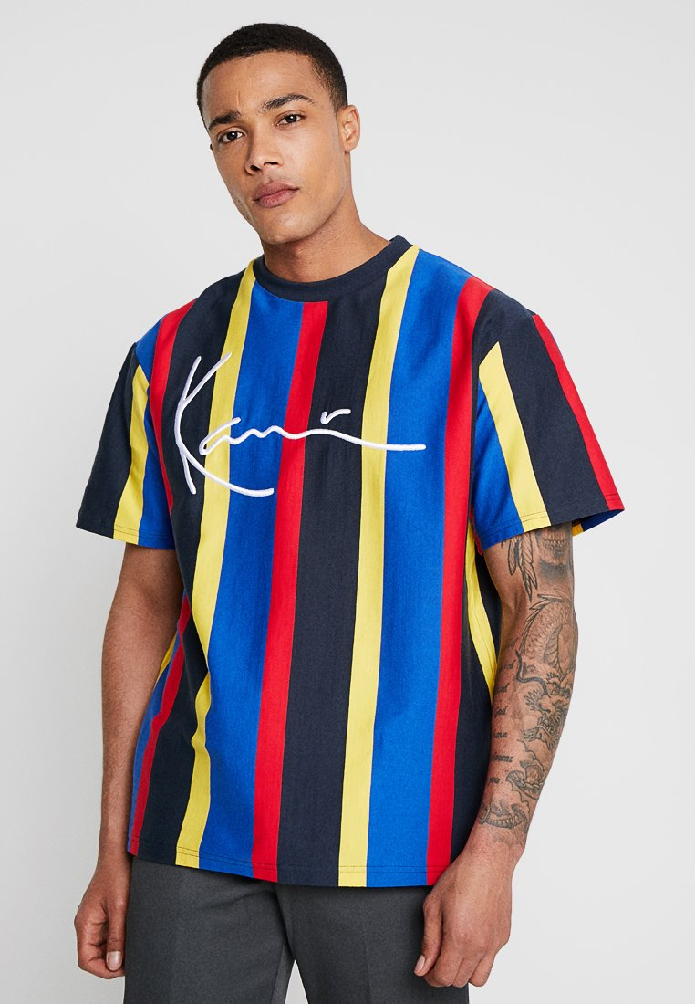 Karl Kani - COLLEGE STRIPES TEE - Camiseta estampada - red/navy/yellow/blue