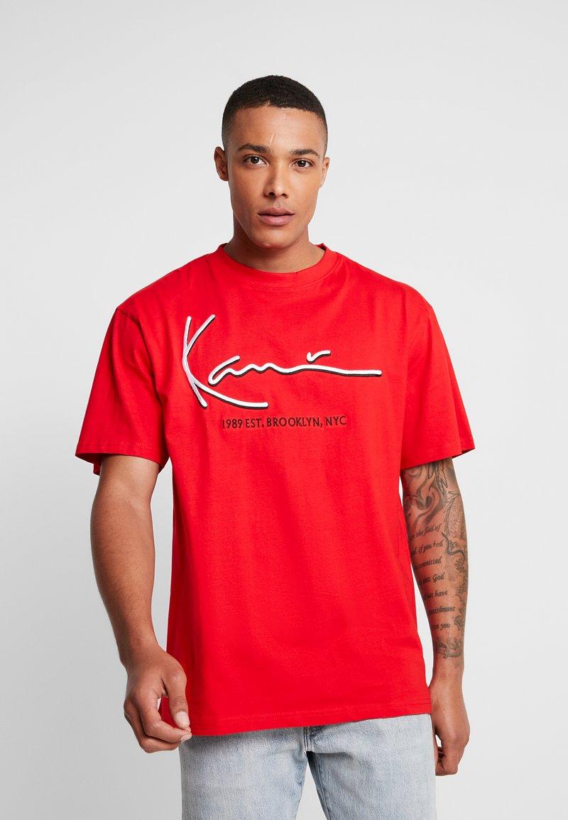 Karl Kani - SIGNATURE TEE - T-Shirt print - red