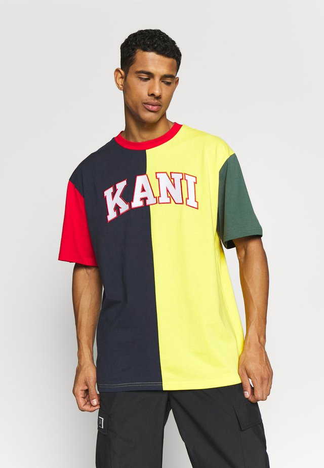 COLLEGE BLOCK TEE - T-shirts med print - navy/yellow/red/green/white