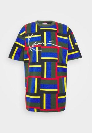 SIGNATURE BLOCK TEE - T-Shirt print - green