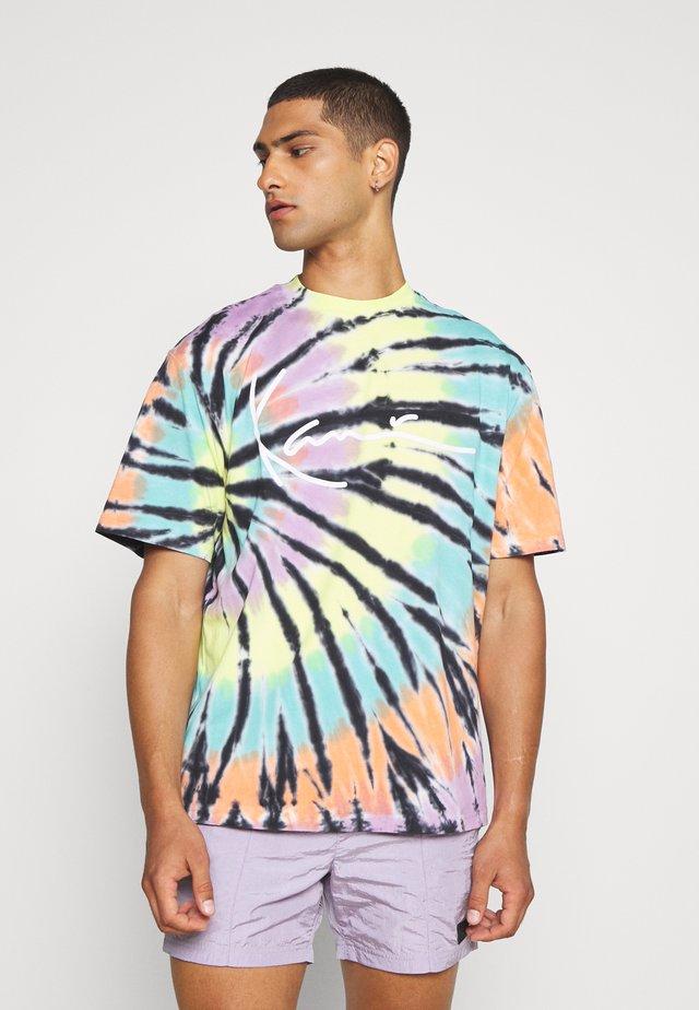 TIE DYE SIGNATURE TEE - T-shirt print - black