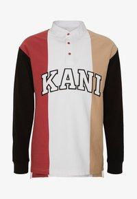 Karl Kani - UNISEX COLLEGE BLOCK RUGBY - Poloshirt - white/black/red/camel - 5