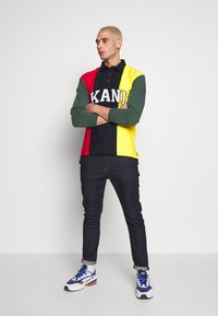 Karl Kani - UNISEX COLLEGE BLOCK RUGBY - Polo - navy - 1