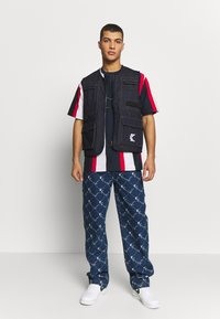 Karl Kani - DENIM UTILITY  - Bodywarmer - blue - 1