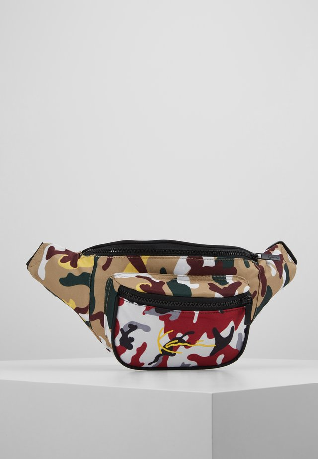 SIGNATURE TAPE WAIST BAG - Gürteltasche - burgundy/white/black/yellow
