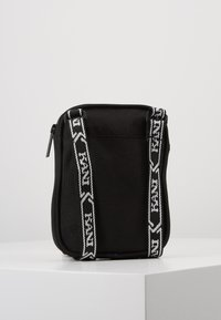 Karl Kani - SIGNATURE TAPE MESSENGER BAG - Across body bag - black/white - 3