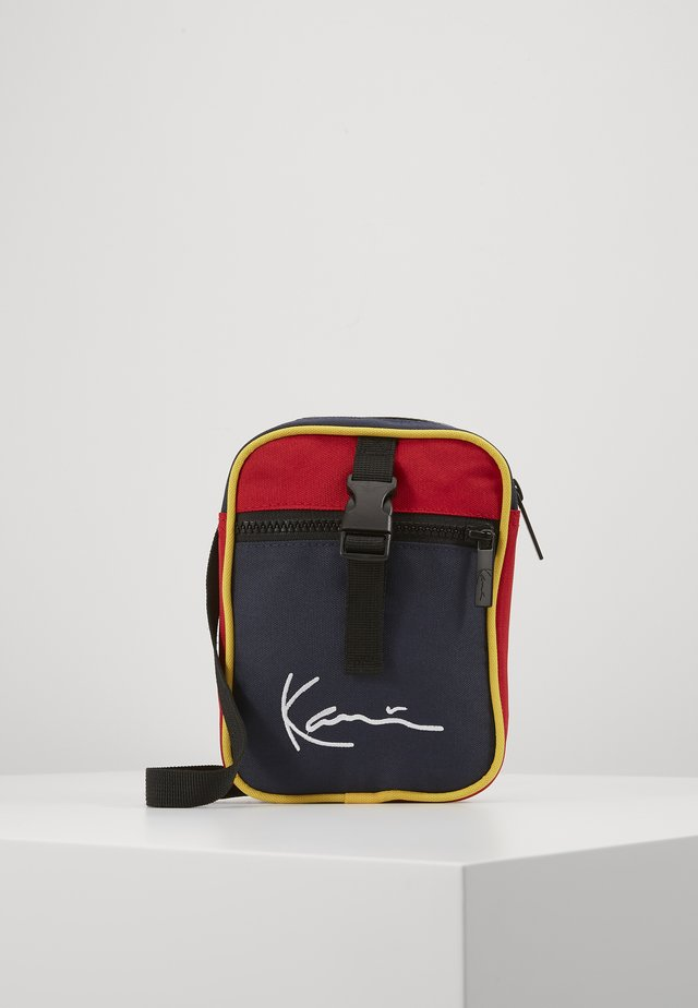 KK SIGNATURE BLOCK MESSENGER BAG - Sac bandoulière - navy/red/yellow/red