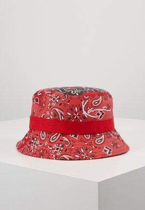 SIGNATURE BUCKET HAT - Hatt - red