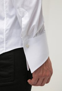 LAGERFELD - KARL - Chemise classique - white - 5