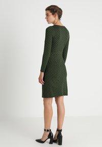 King Louie - MONA DRESS LOOPY - Sukienka z dżerseju - grass green - 3