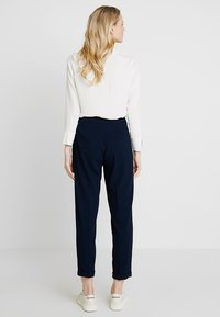 King Louie - ROISIN PANTS - Stoffhose - blue - 2