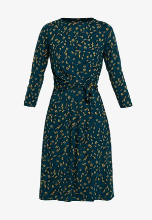 HAILEY DRESS PICALLILY - Jerseykleid - dragonfly green