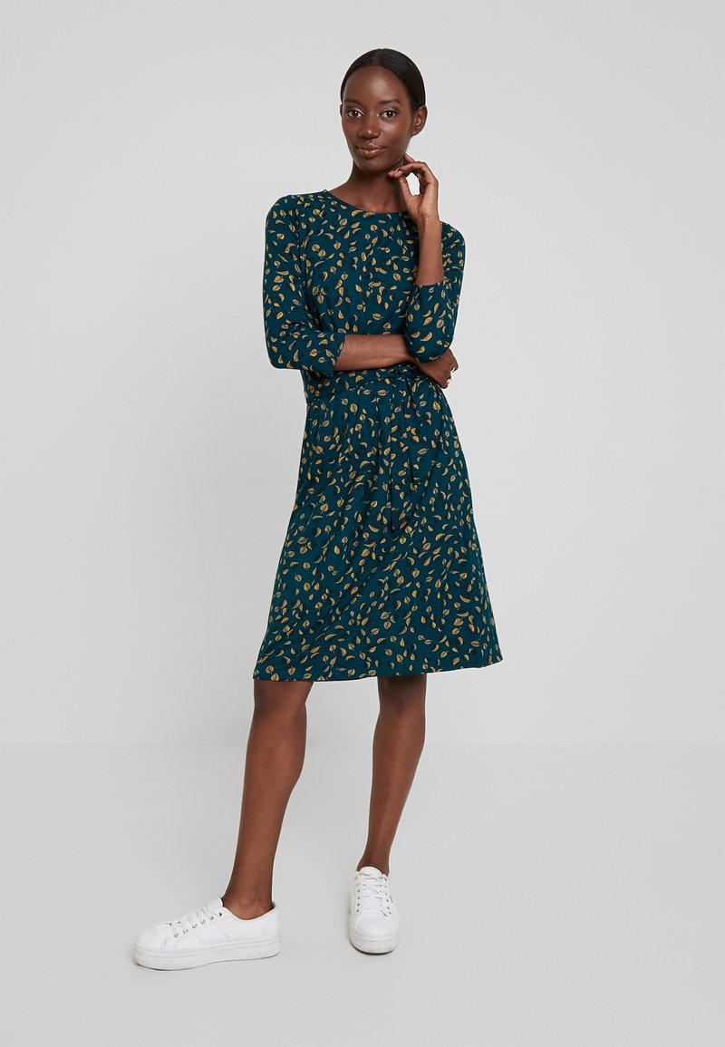King Louie - HAILEY DRESS PICALLILY - Jersey dress - dragonfly green