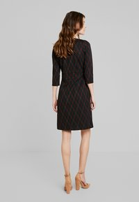 King Louie - CROSS TULIP DRESS ARGYLE - Strickkleid - black - 2