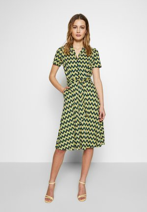 SHEEVA DRESS NAMASTE - Jerseykjoler - spar green