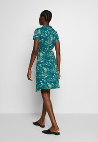 King Louie - EMMY DRESS GRIFFIN - Jersey dress - dragonfly green - 2