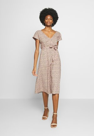 DORIS DRESS PANTHERA - Day dress - granny pink