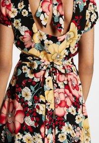 King Louie - SHILOH DRESS CARIOCA - Denní šaty - black - 4